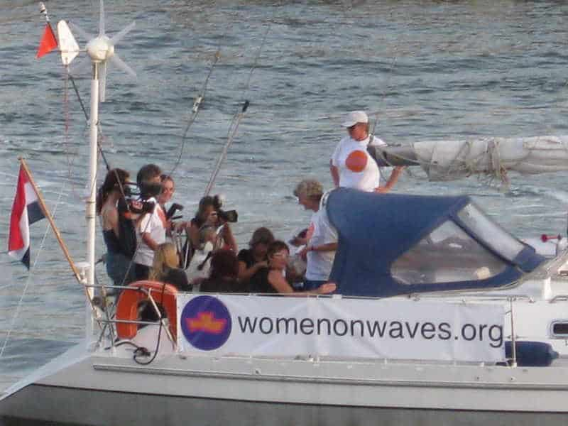 women on waves organizacion en favor del aborto